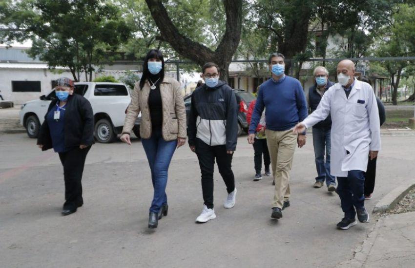 Capitanich recorrió las obras de refacción integral de diversas áreas del Hospital Perrando