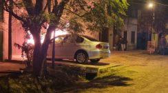 Pinedo: en plena madrugada, prendieron fuego un BMW que estaba estacionado
